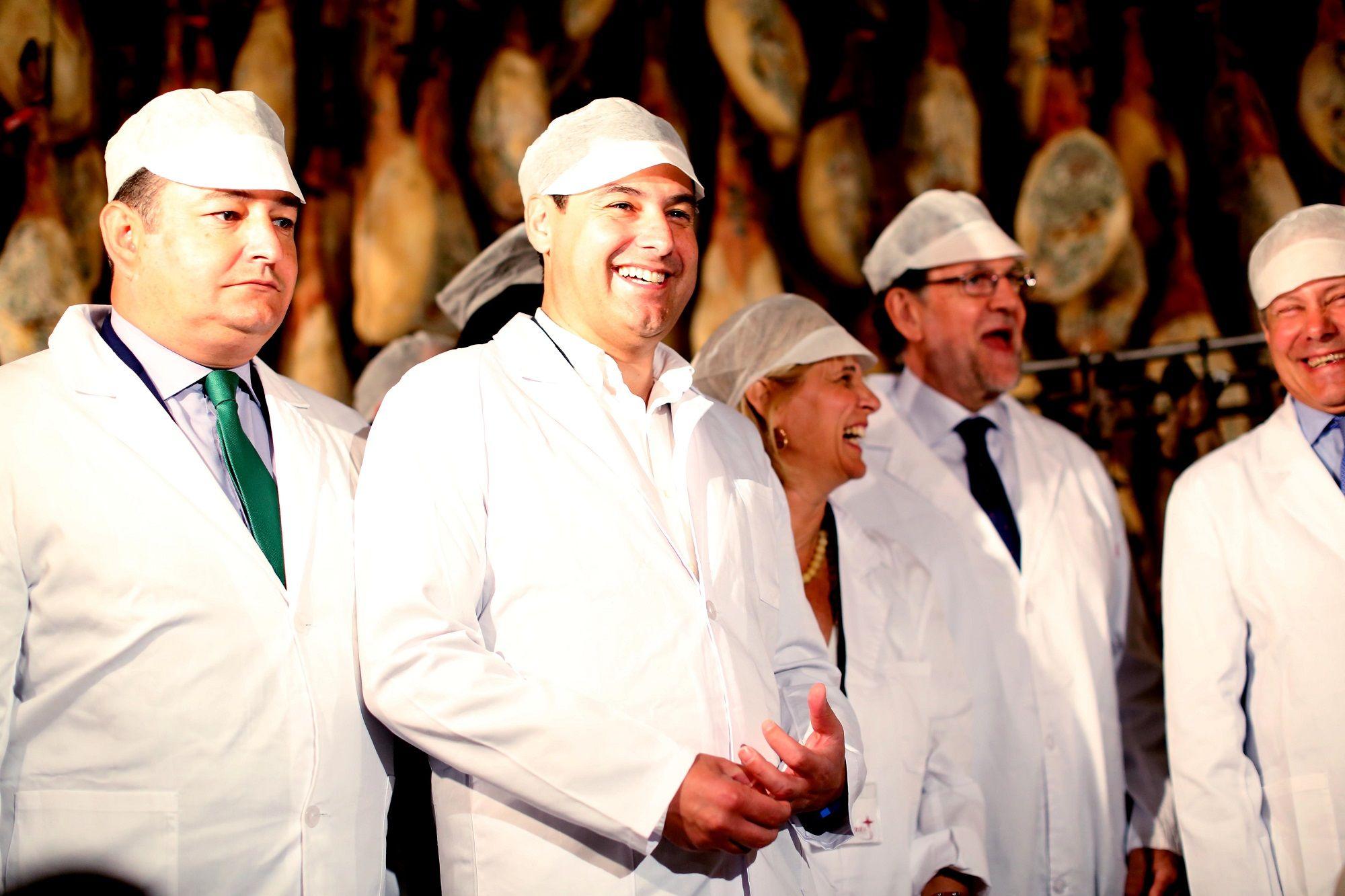 Mariano Rajoy en su visita a la fábrica jerezana Montesierra junto a María José García-Pelayo, Juanma Moreno y Antonio Sanz, 08JUN2016 | Juan Carlos Corchado para MIRA Jerez