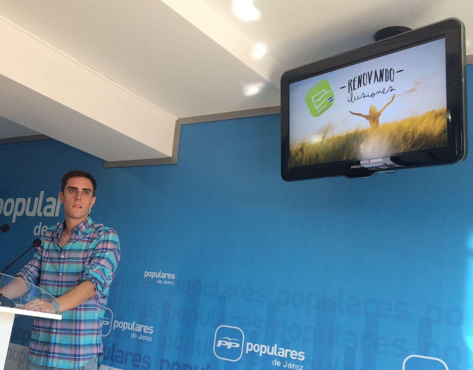 Jaime Espinar en la sede del PP de Jerez