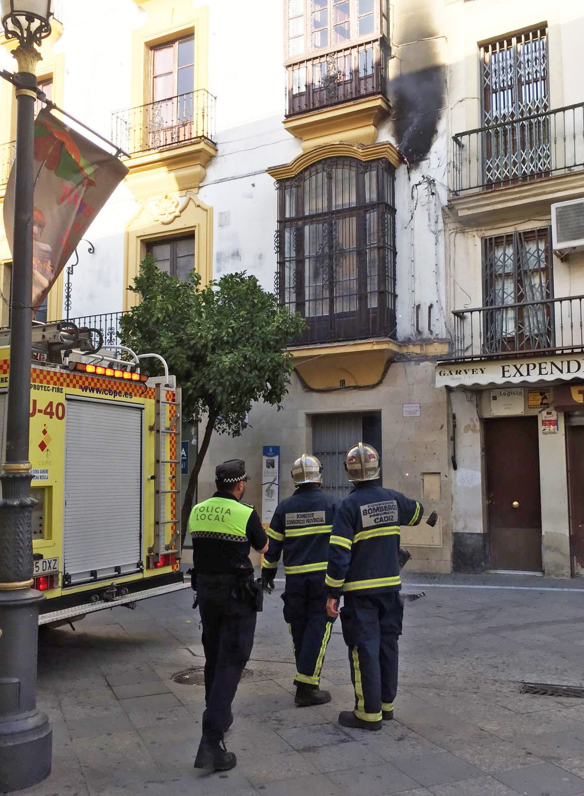 incendio calle larga Jerez 1