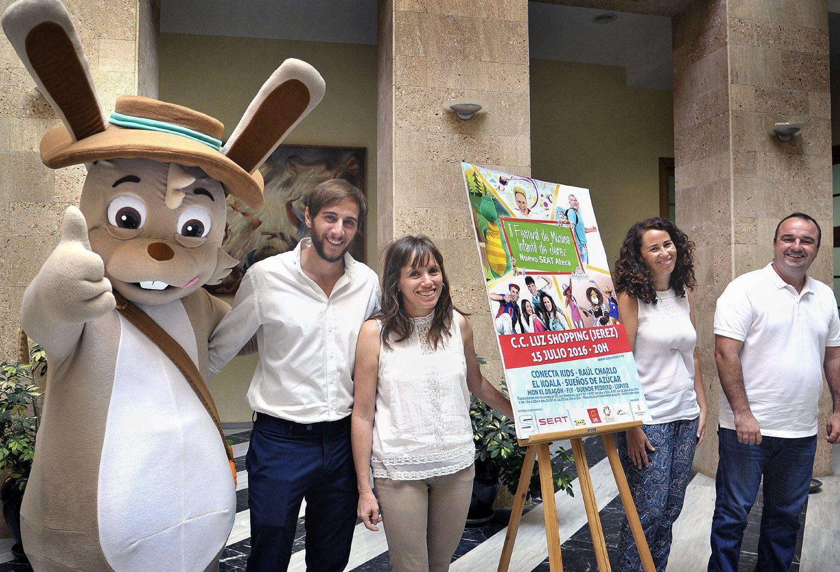 L Alvarez pres II Festival Musica Infantil