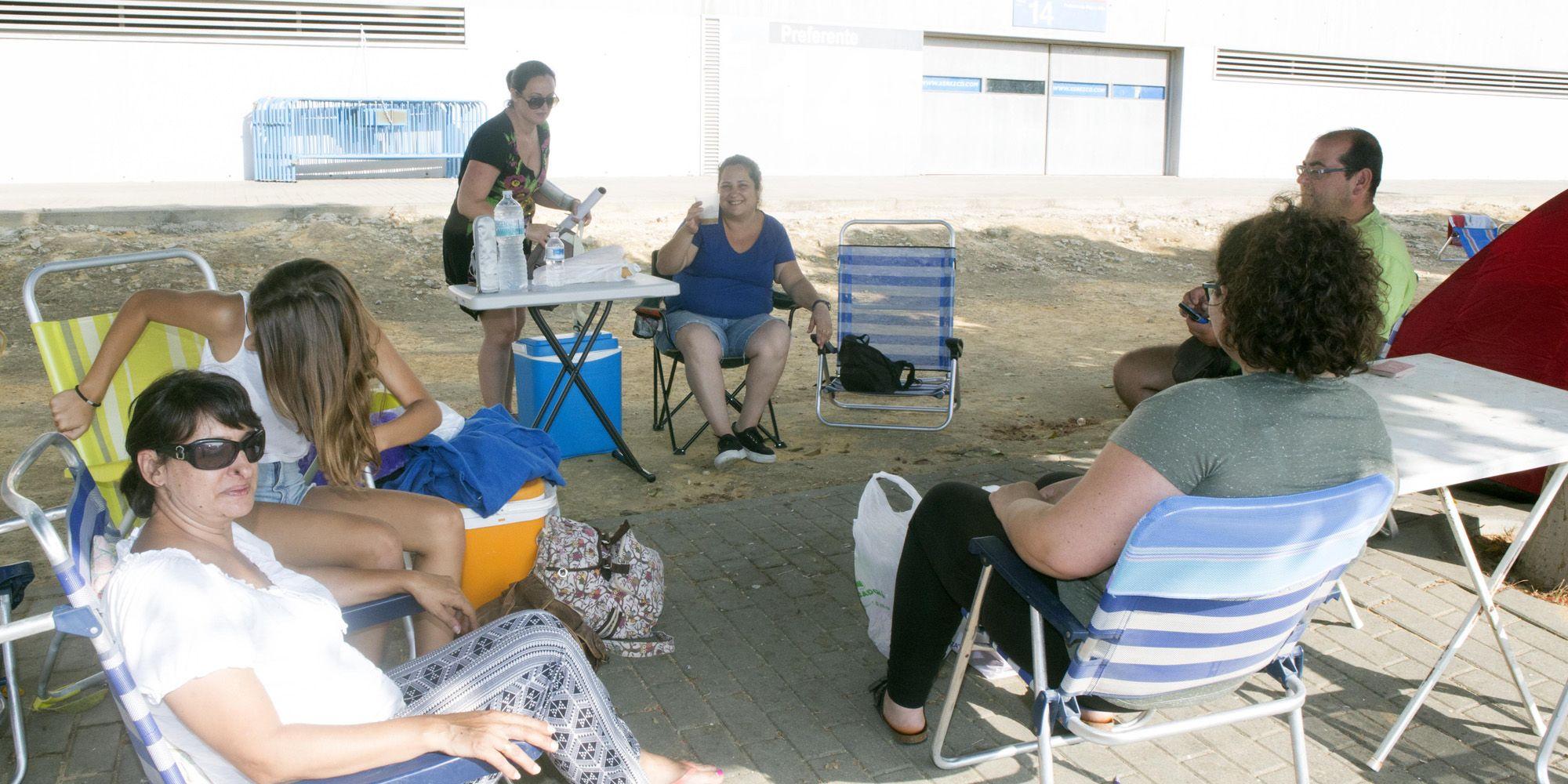 Fans de Alejandro Sanz en imágenes del reportaje realizado por Mira Jerez