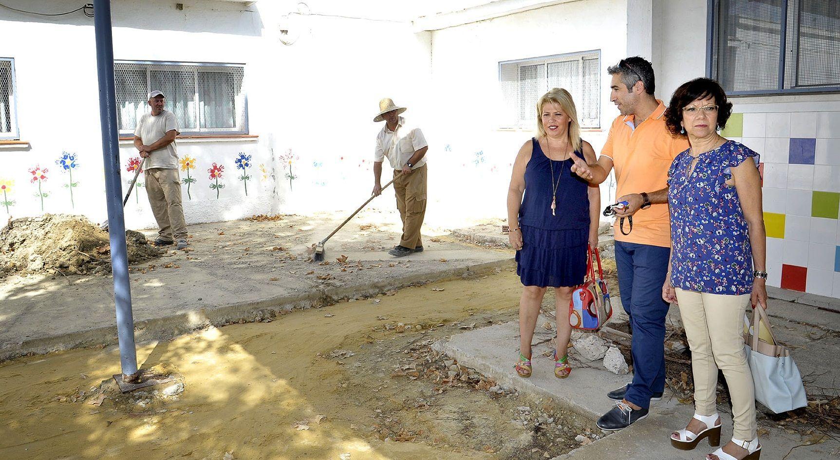 Alcaldesa visita obras CEIP Federico Mayo