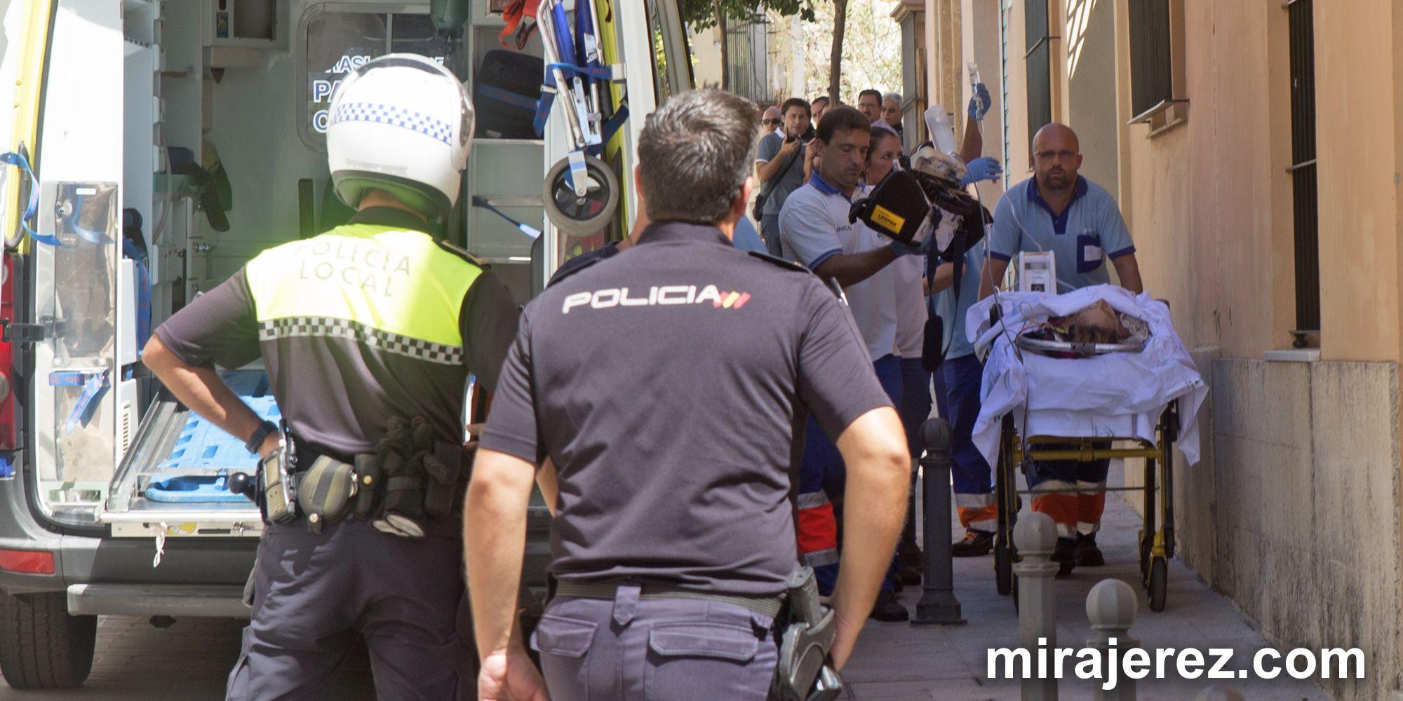 Imagen de una de las mujeres heridas de gravedad | Juan Carlos Corchado para MIRA Jerez