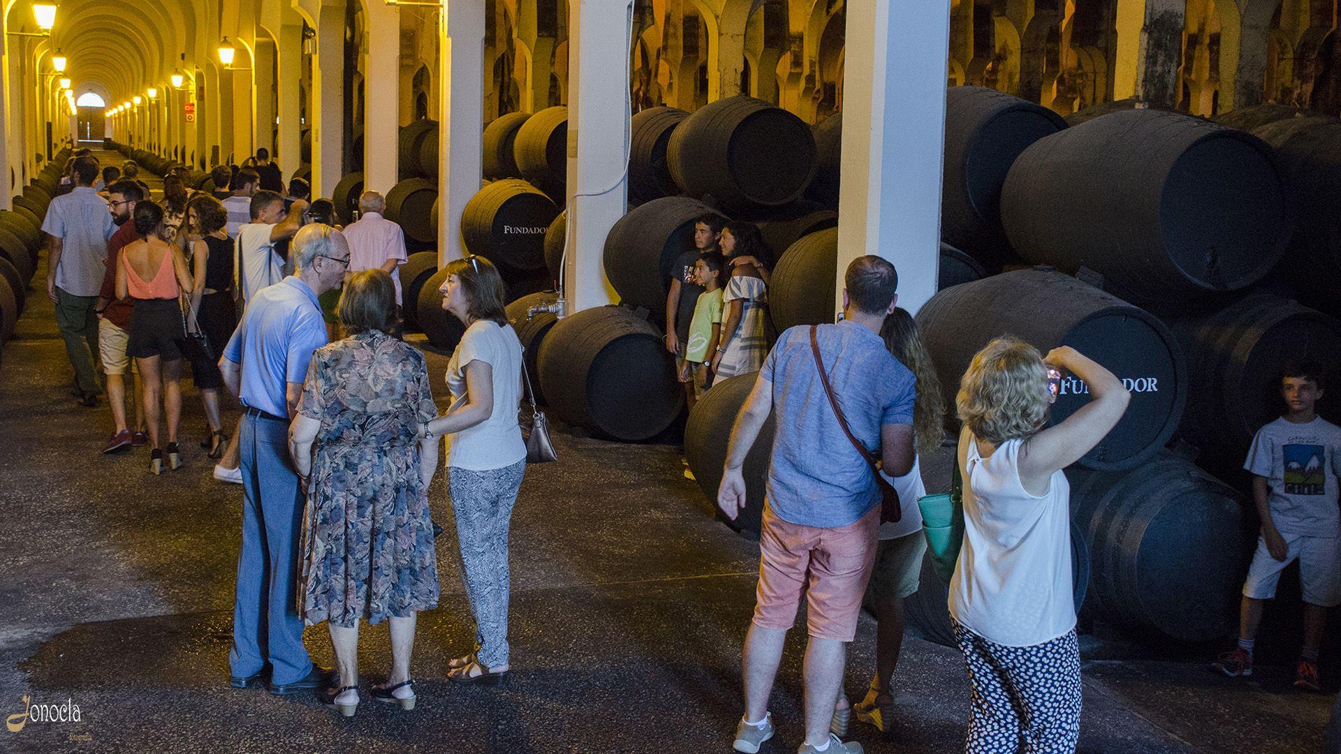 Visitas nocturnas en Bodegas Fundador   Jonocla Fotografía para MIRA Jerez