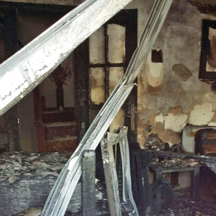 Incendio en unifamiliar en El Torno 1