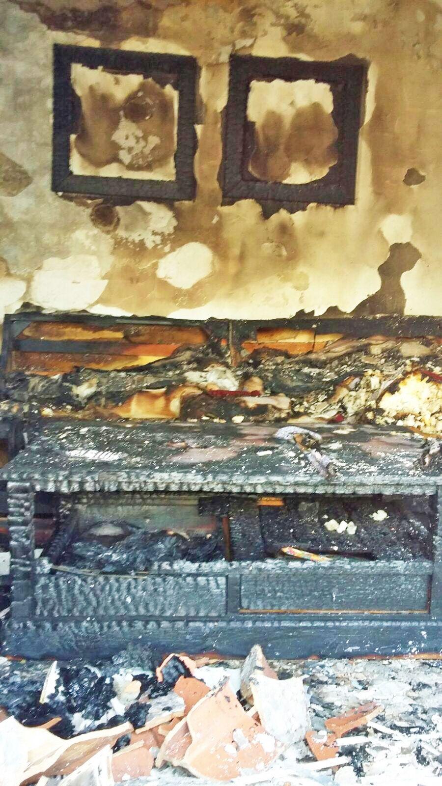 Incendio en unifamiliar en El Torno 2