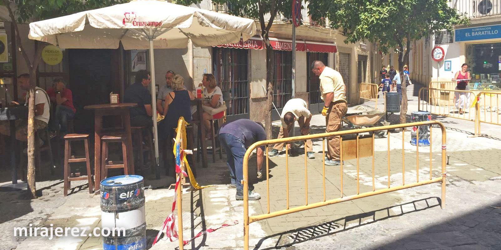 Terraza de Tabanco en calle Tornería | Juan Carlos Corchado para MIRA Jerez