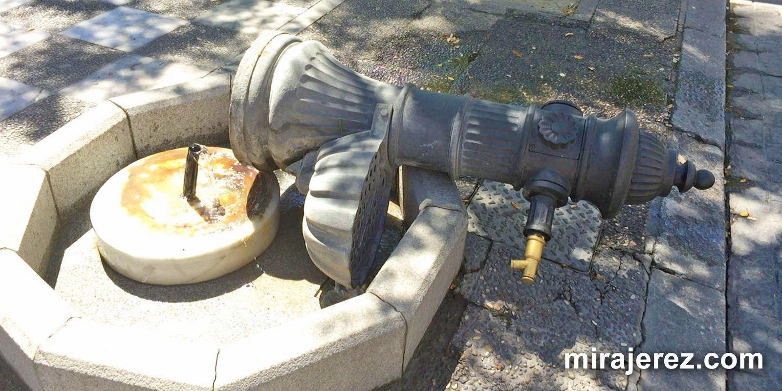 Estado de la fuente tras el intento de robo, 21 AGO 2016 | Juan Carlos Corchado para MIRA Jerez