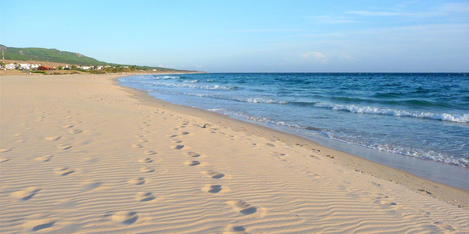 Playa de Bolonia Encanto Natural