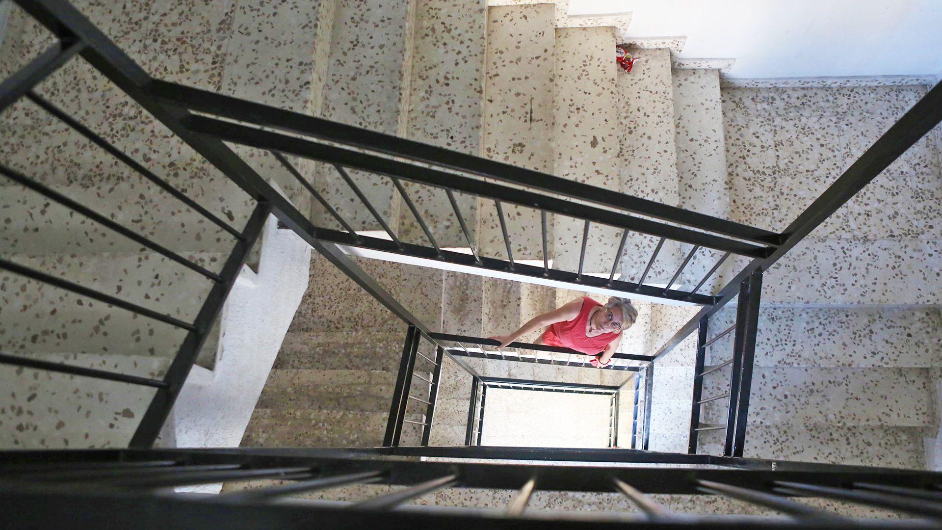 junta-andalucia-mantiene-edificio-con-ascensor-estropeado-4