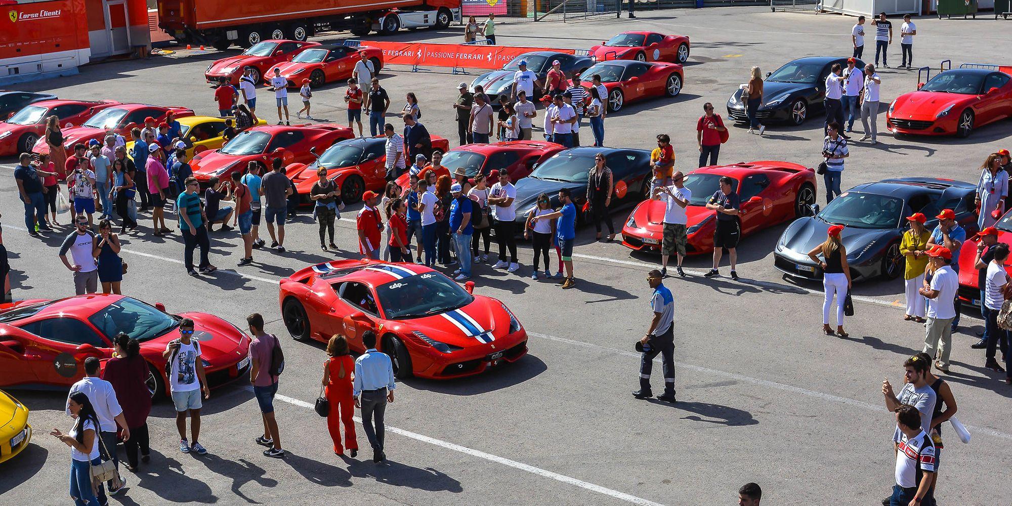 Ferraris en el paddock | Christian Cantizano para MIRA Jerez