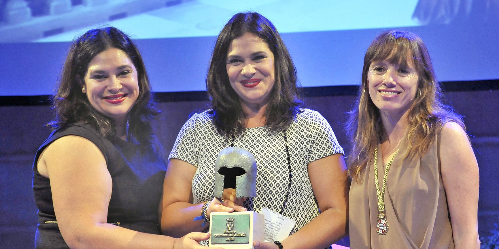 Premio Ciudad de Jerez a la Promoción para Raquel y Virgina Naranjo, ganadoras de Master Chef