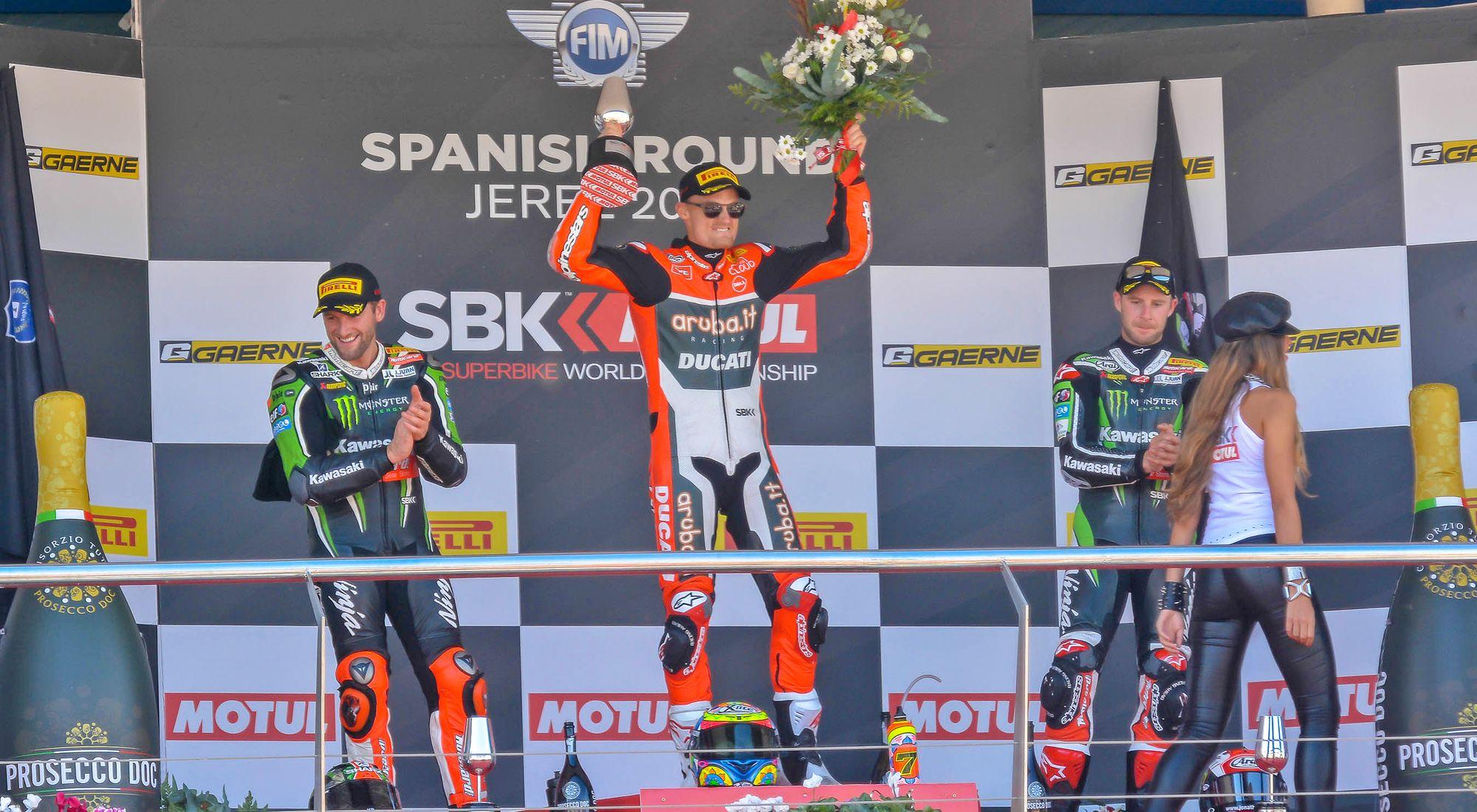 Davies levanta el trofeo  | Christian Cantizano para MIRA Jerez