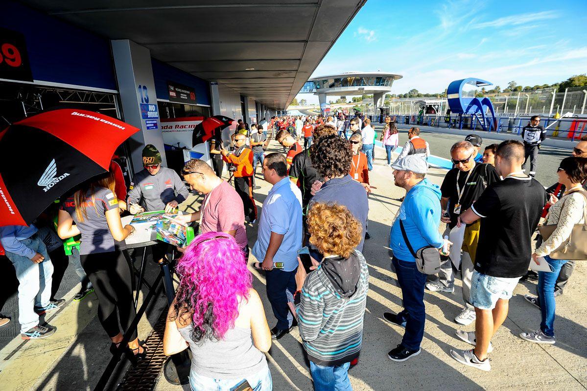 Paddockshow con mucho ambiente en Jerez | Christian Cantizano para MIRA Jerez