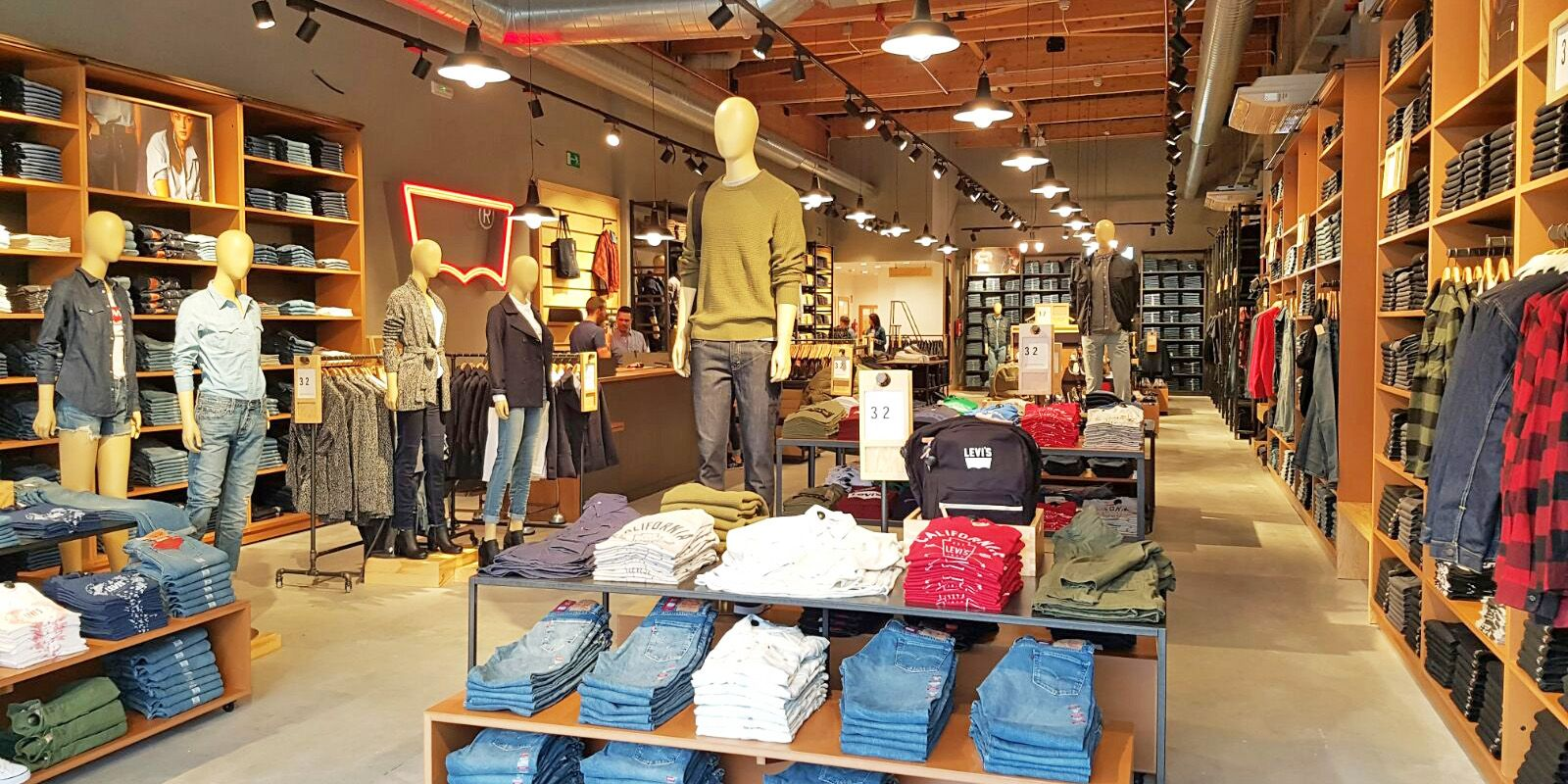 Se Levi's Outlet Oferta Shopping Incorpora A La Luz De OkuPXZi