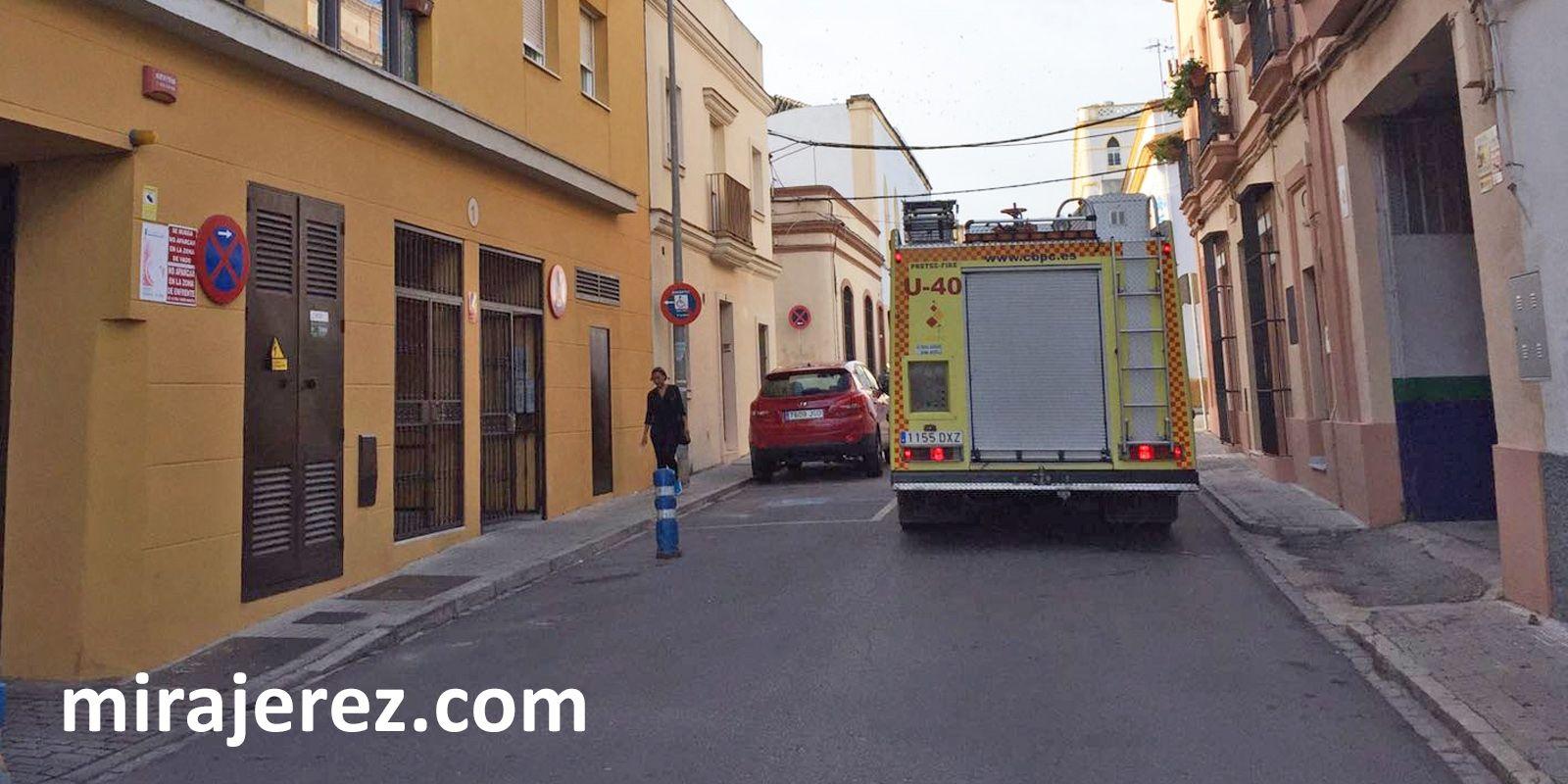 incendio-calle-juana-jugan-jerez