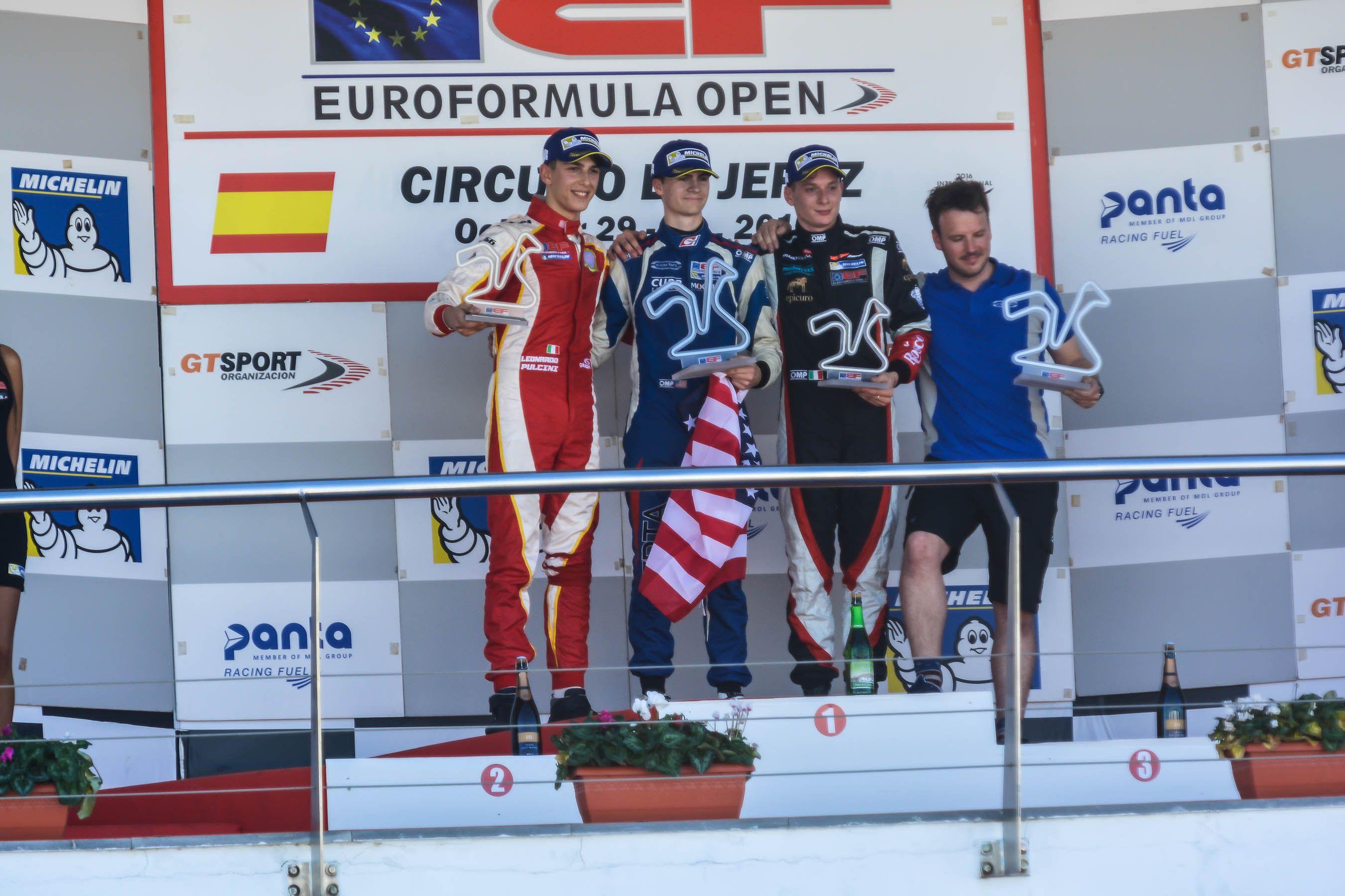 Pódium EuroFórmula: Colton Herta, Leonardo Pulcini y Damiano Fioriovanti | Christian Cantizano para MIRA Jerez