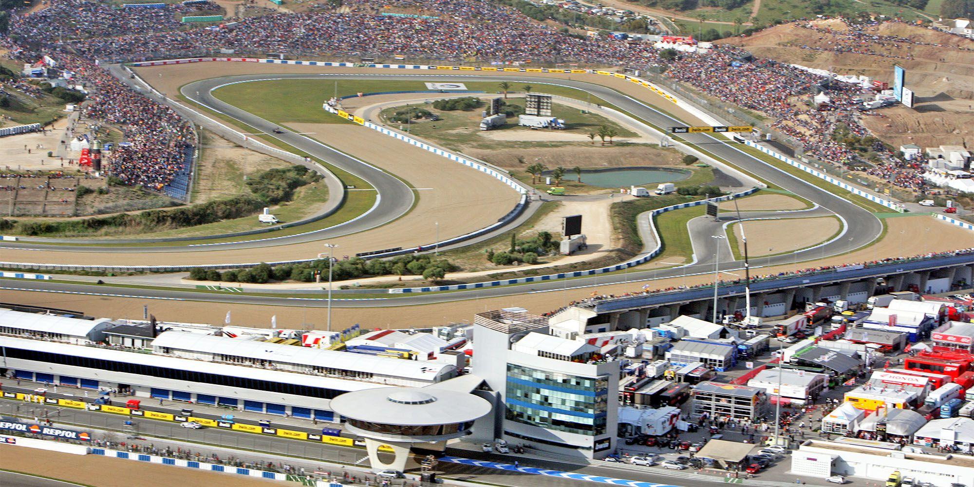 Circuito De Jerez : El centro tecnológico del motor huele a humo mira