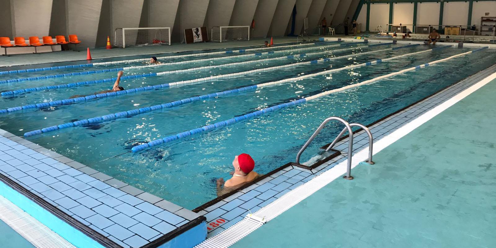 La piscina jos laguillo oferta 234 plazas para servicios for Oferta de piscina