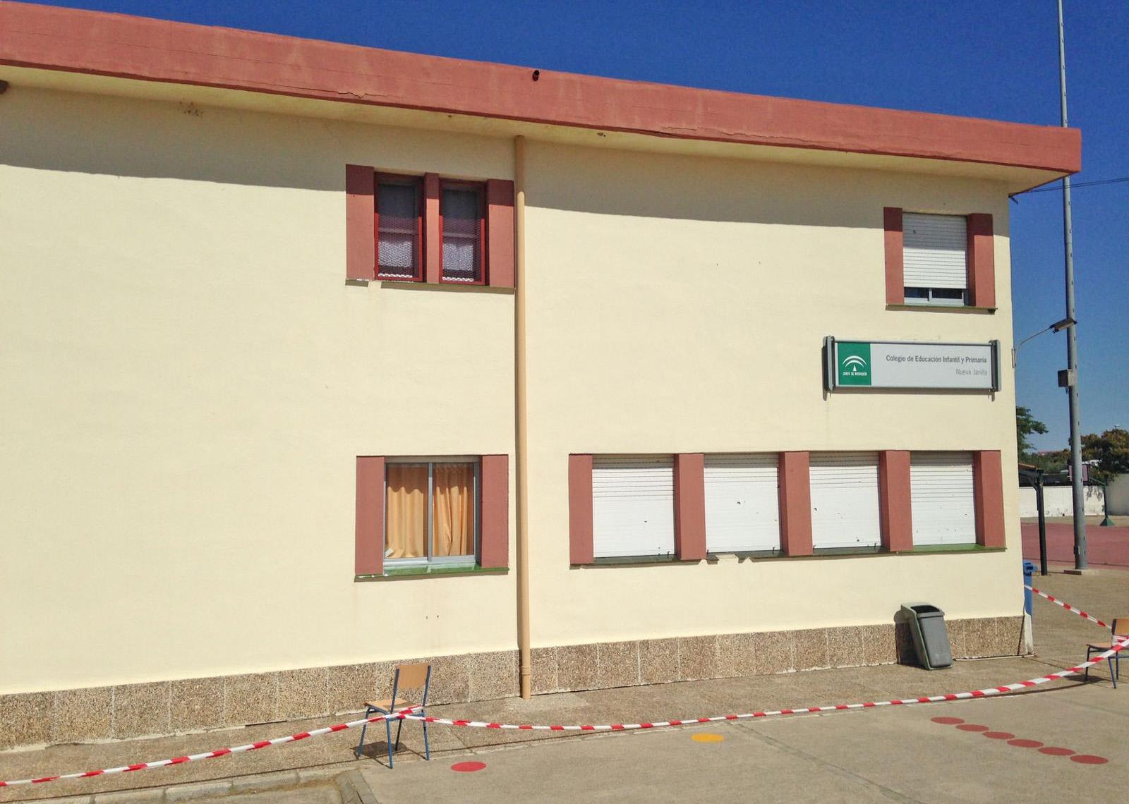 Alarma en el colegio de nueva jarilla tras descubrir for Piscina nueva jarilla