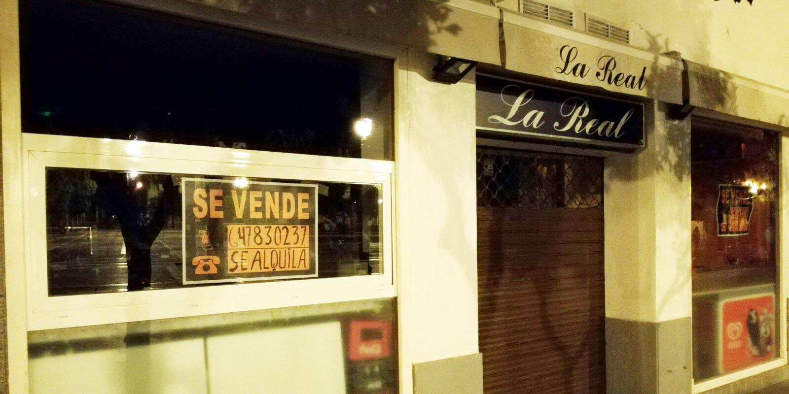 Cierra definitivamente la cervecer a la real de la plaza del arenal el mira - Farmacia guardia puerto del rosario ...