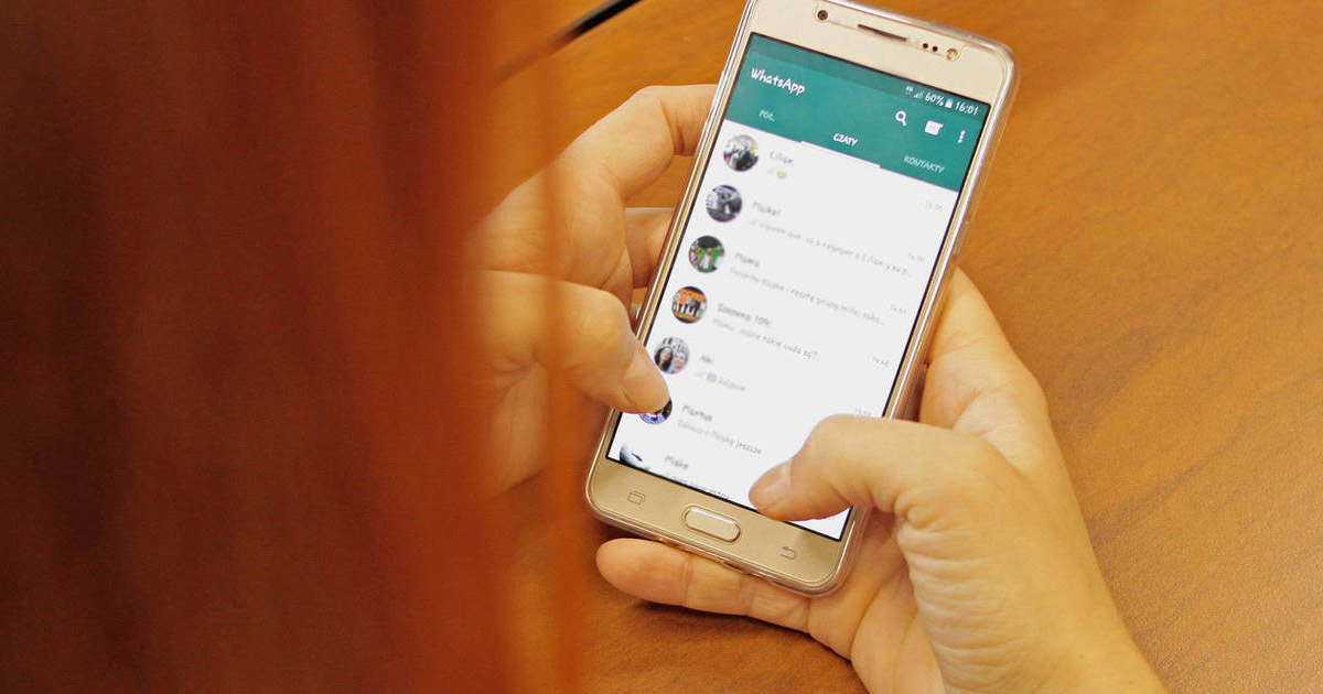 Whatsapp celular teléfono móvil caché