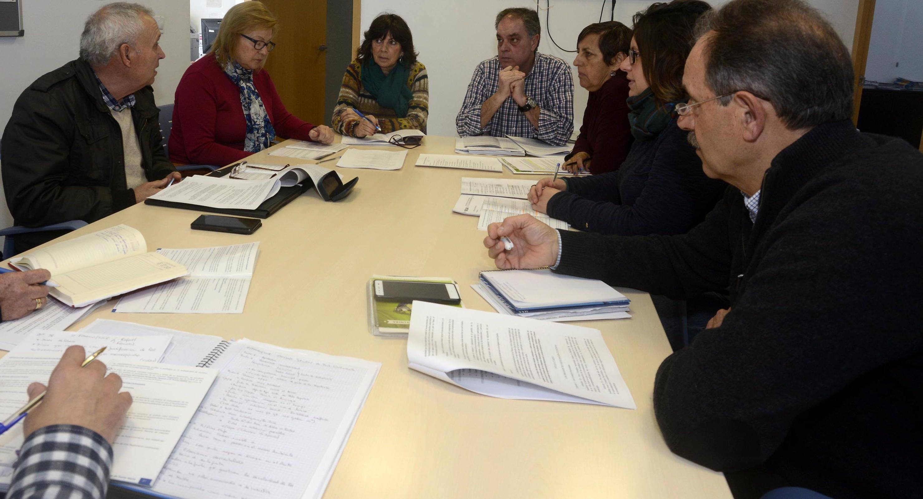 Nueva sesi n de trabajo en el puerto sobre el reglamento de participaci n ciudadana el mira - Trabajo en el puerto ...