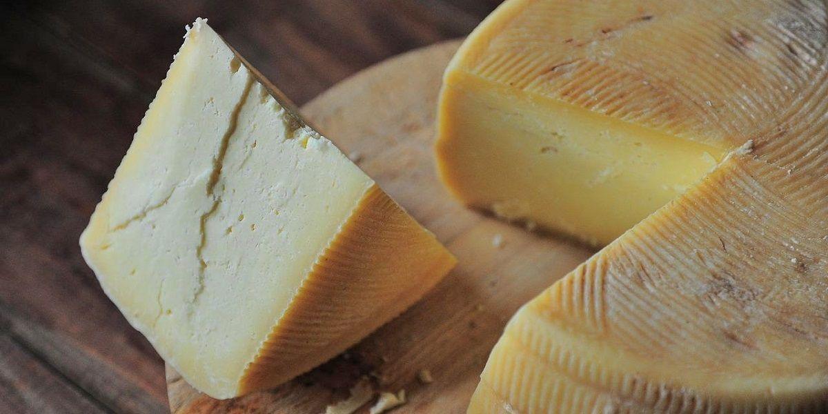 La Línea quesos familias necesitadas