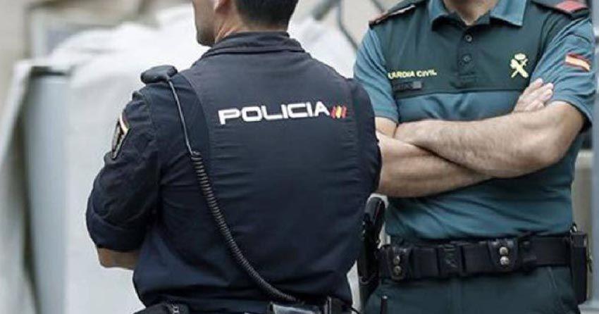 Policías, guardias civiles y militares, contra Pablo Iglesias