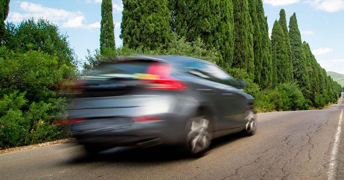 coche 175 kilómetros por hora
