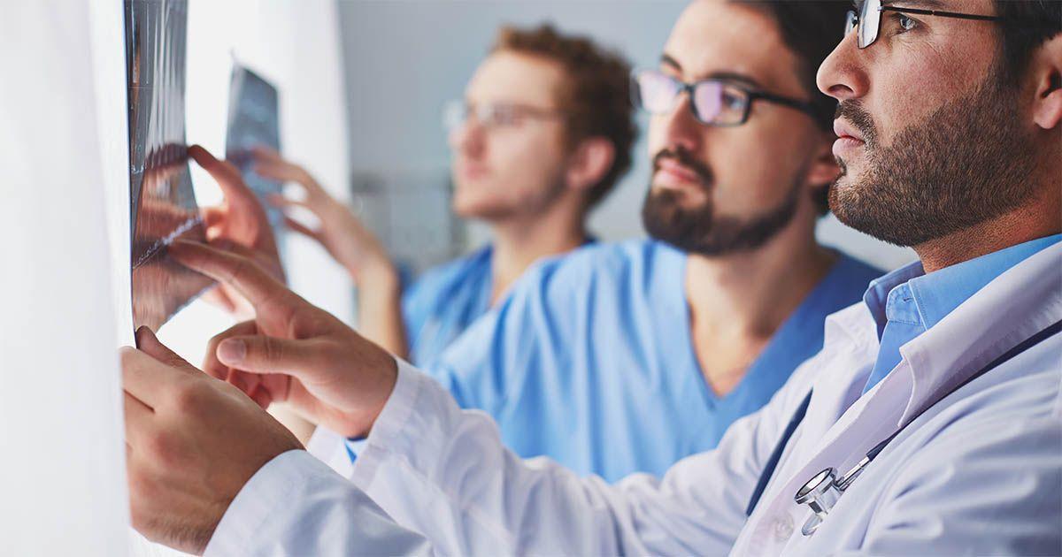 médicos hospital