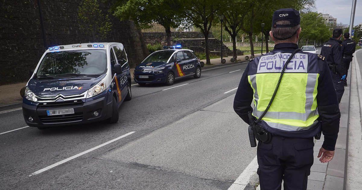 agresión a policías en un bar de Sevilla