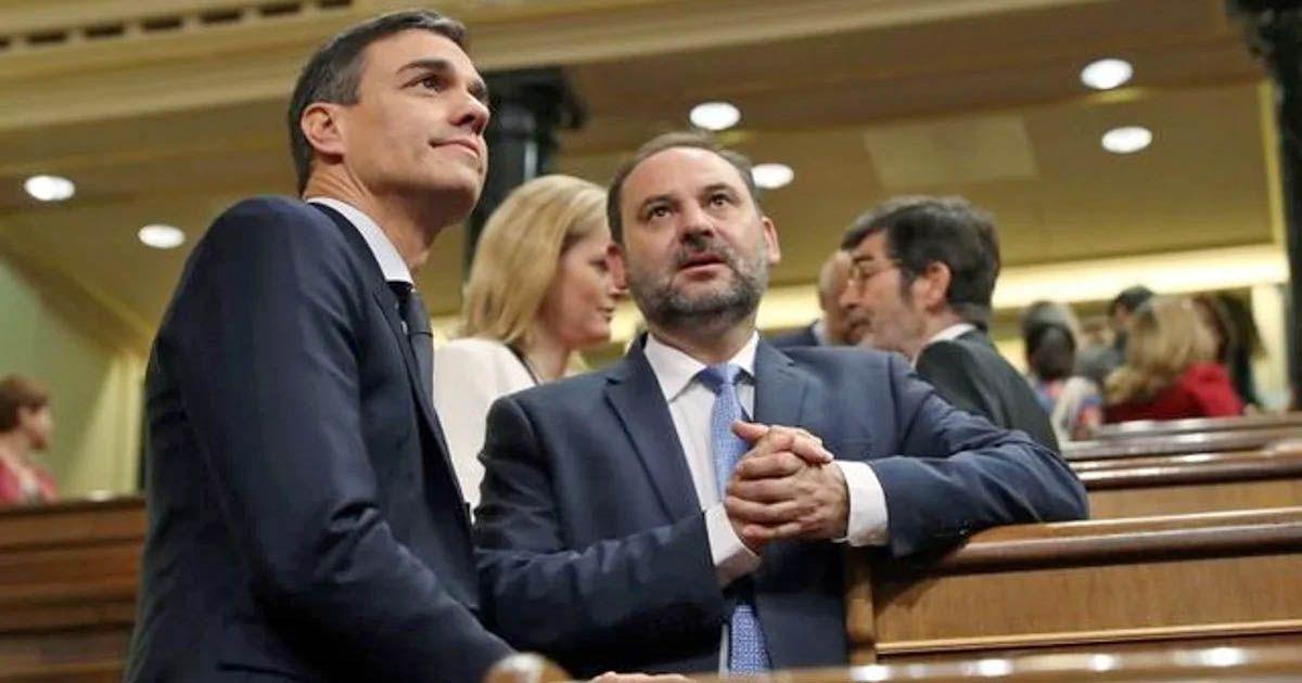 Pedro Sánchez y Abalos