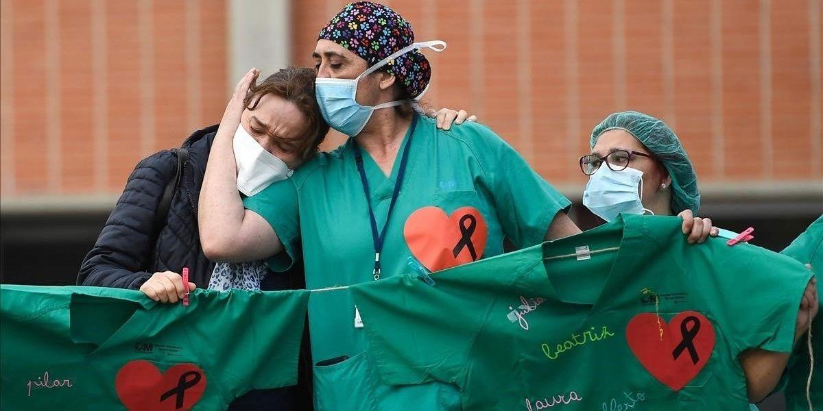sanitarios llorando Coronavirus Andalucía