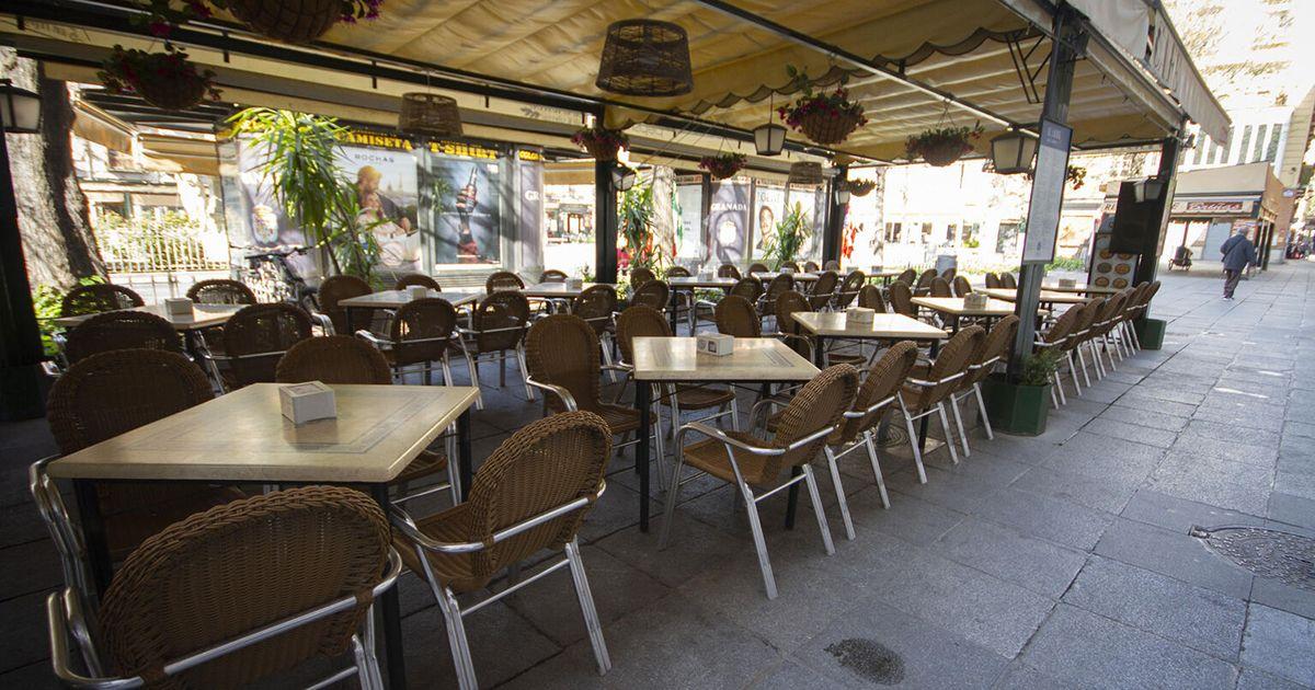 Cierre de bares y comercios a las 22:00 horas en Granada ayudas directas