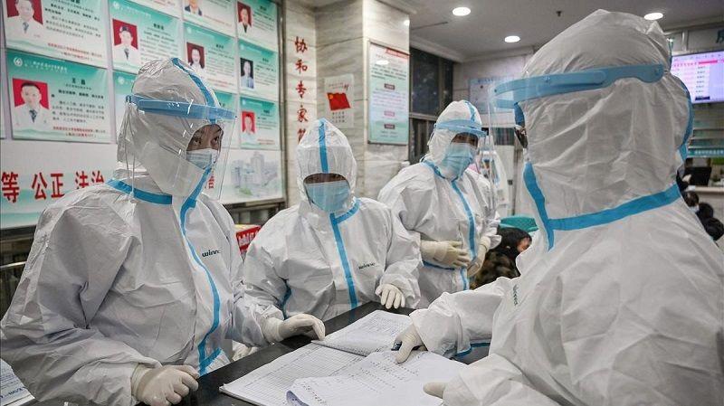 Médicos chinos durante la pandemia