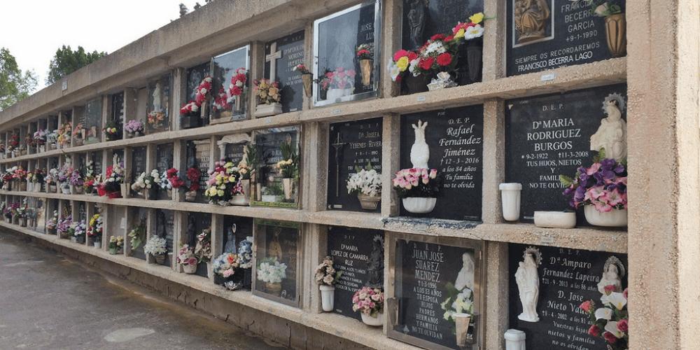 Cementerios en el Día de los Santos
