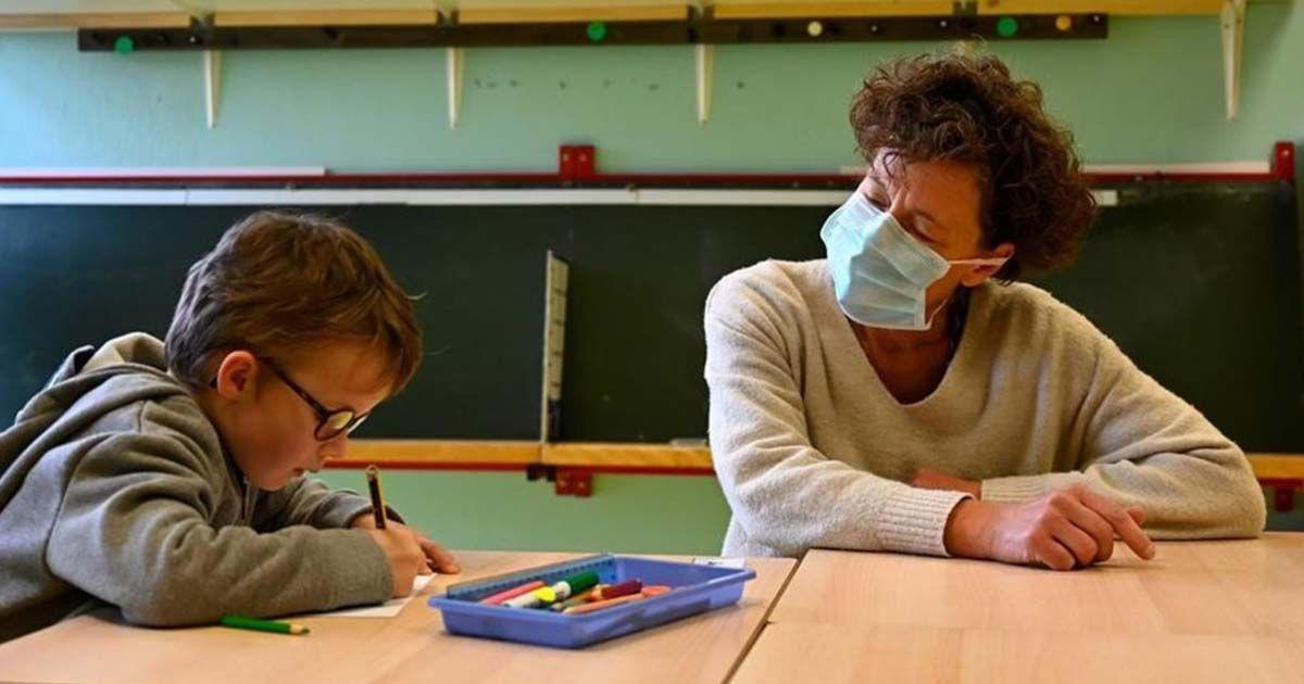 coronavirus mascarilla colegios profesores