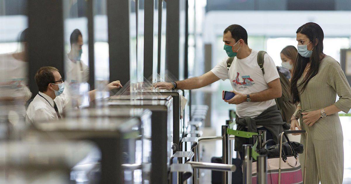Caída histórica de los turistas extranjeros ante el cierre de fronteras