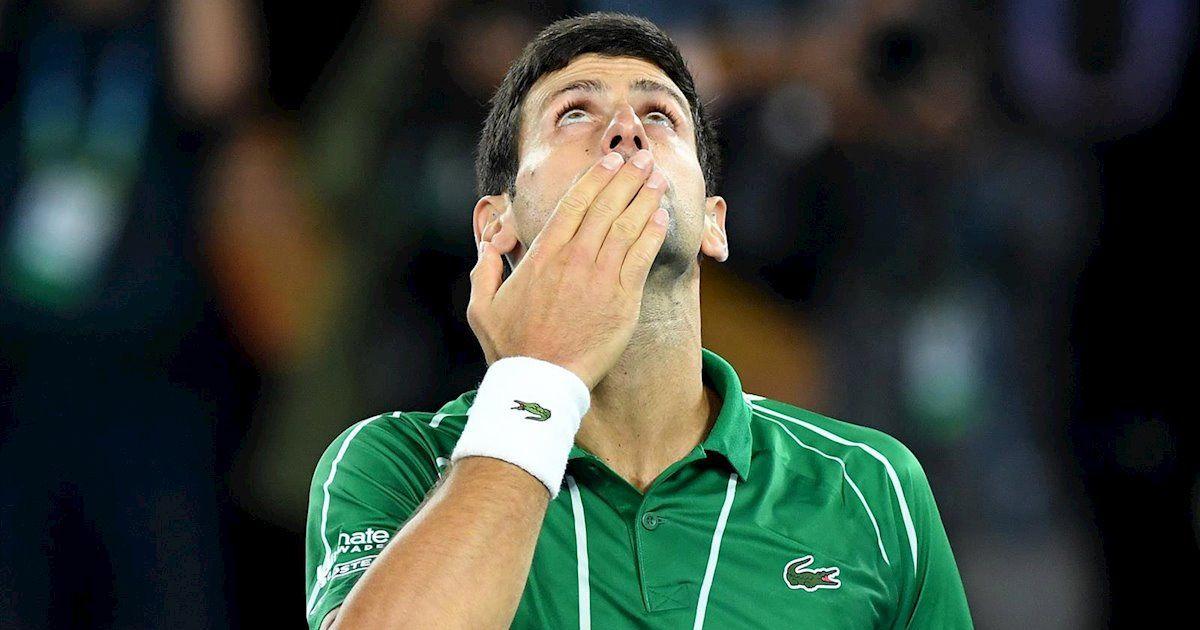 Djokovic da un pelotazo a un juez de línea y es descalificado del US Open