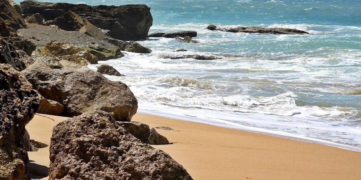 Playa de los caños cádiz