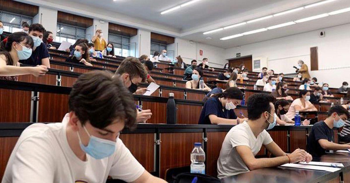 Más de 8.000 alumnos se examinan de la prueba de Selectividad en Andalucía
