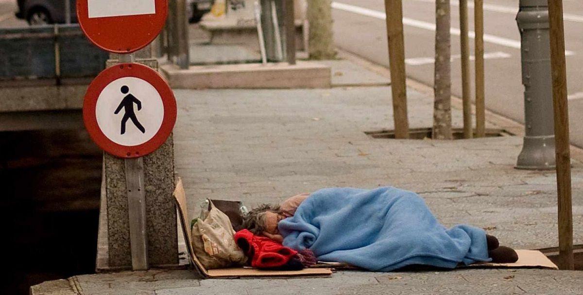 Ayuntamiento Cádiz personas sin hogar particular casa Cádiz habitaciones comida frío ola mueren personas hogar