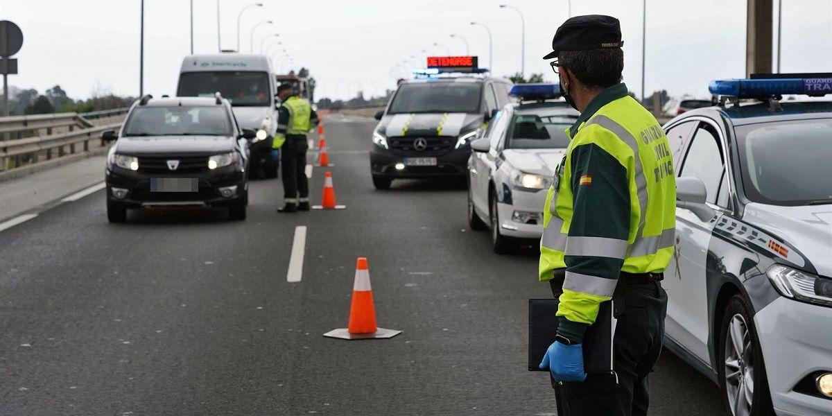 Accidente entre dos coches en Morón de la Frontera