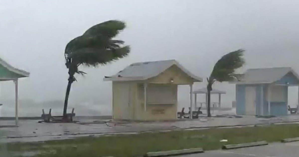 huracán isaias podría emular a Dorian en Bahamas