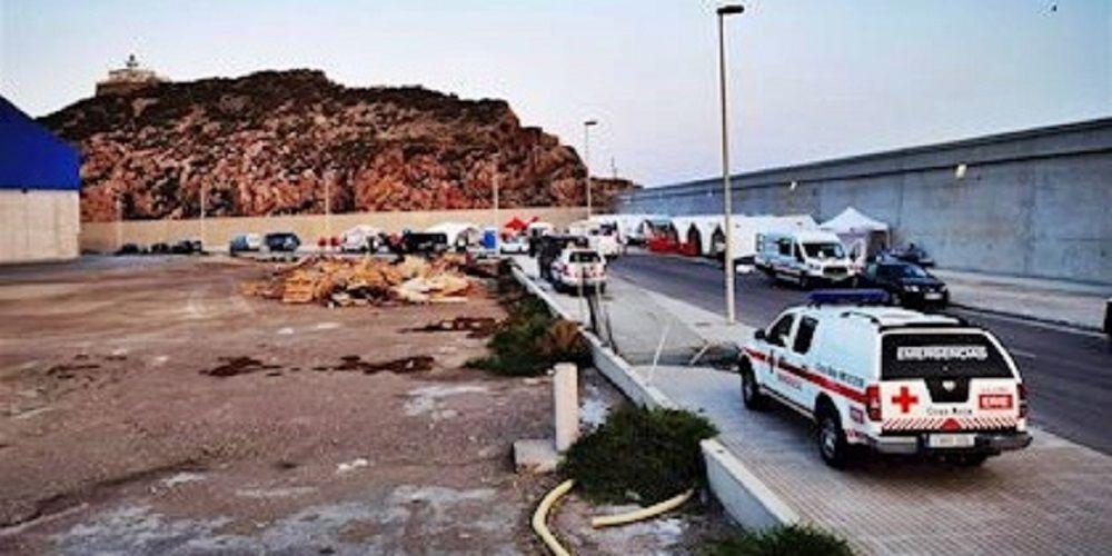 Inmigrantes escapan de un centro mientras guardaban cuarentena