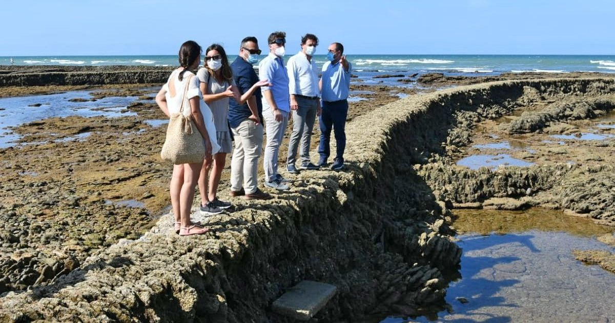 La Junta seguirá apoyando la protección de los corrales de Rota