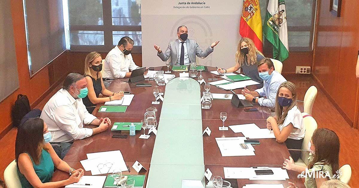Reunión Elías Bendodo en Cádiz