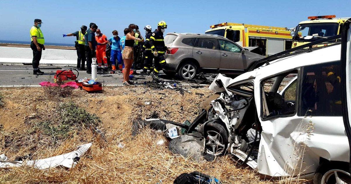 Una tremenda colisión entre tres vehículos en el Palmar se salda con un fallecido