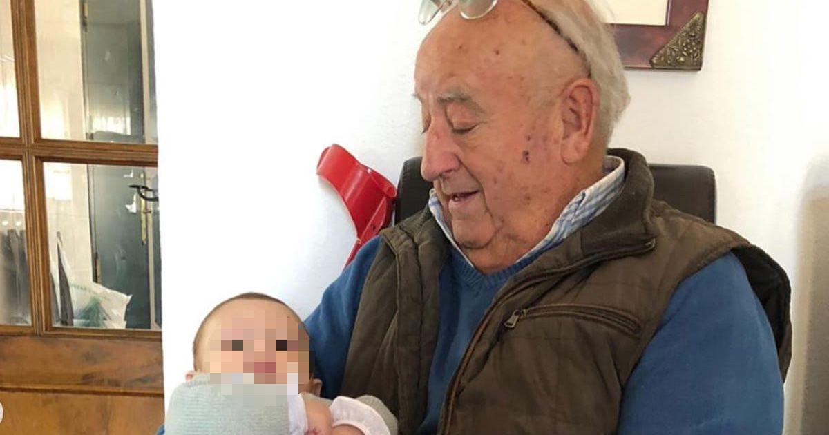 """""""Abuelo: prométenos que seguirás siendo feliz allí arriba"""""""